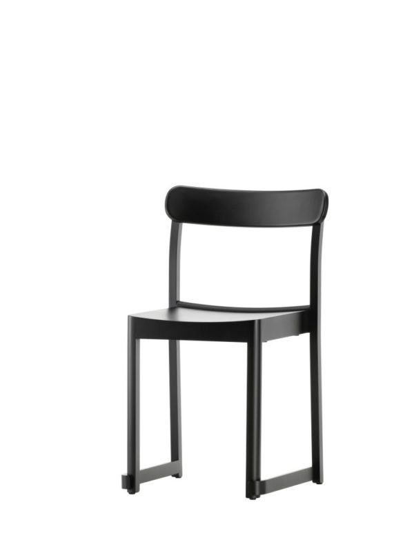 Atelier-Chair-black-lacquered-beech_bord.ch
