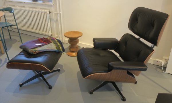 Lounge Chair & Ottoman 2