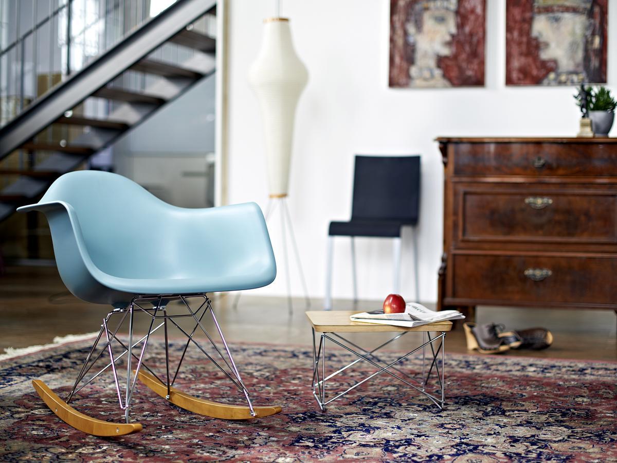 Eames ...