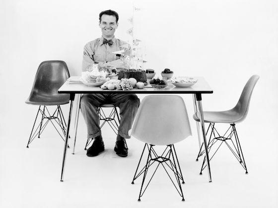 Eames Plastic Armchair DAR 6