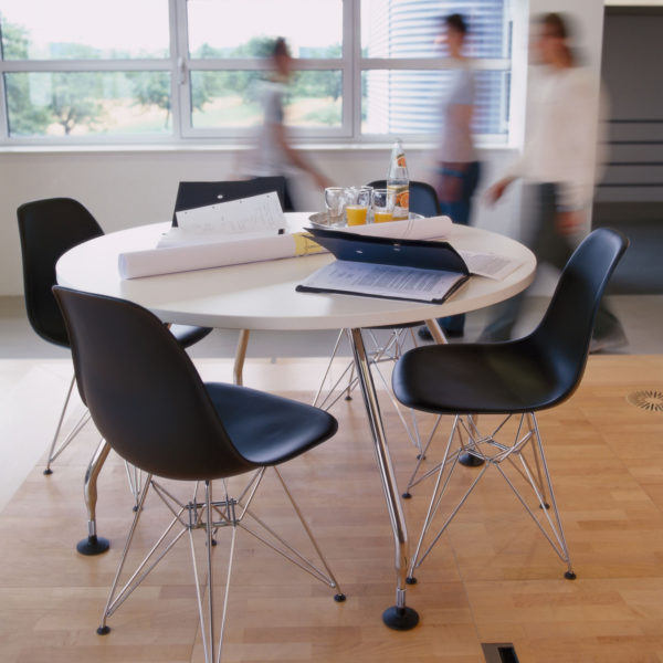 Eames Plastic Side Chair - DSR 6