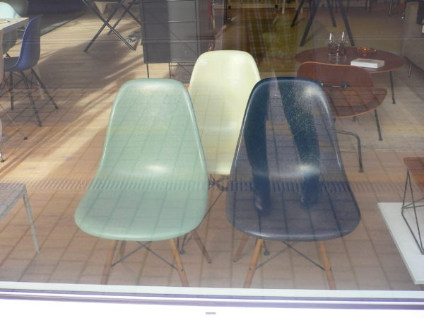 Eames Chairs in Fiberglass (DSW, DSR, DSX) 4