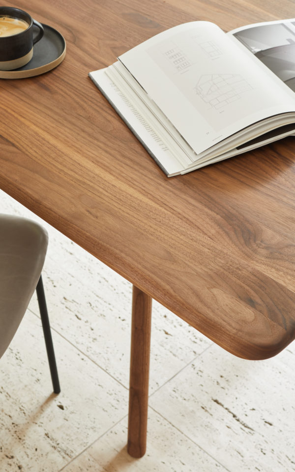 Tisch NIL 4